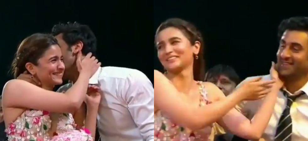 Ranbir Kapoor and Alia Bhatt share an awkward kiss at award show./ Image: Instagram