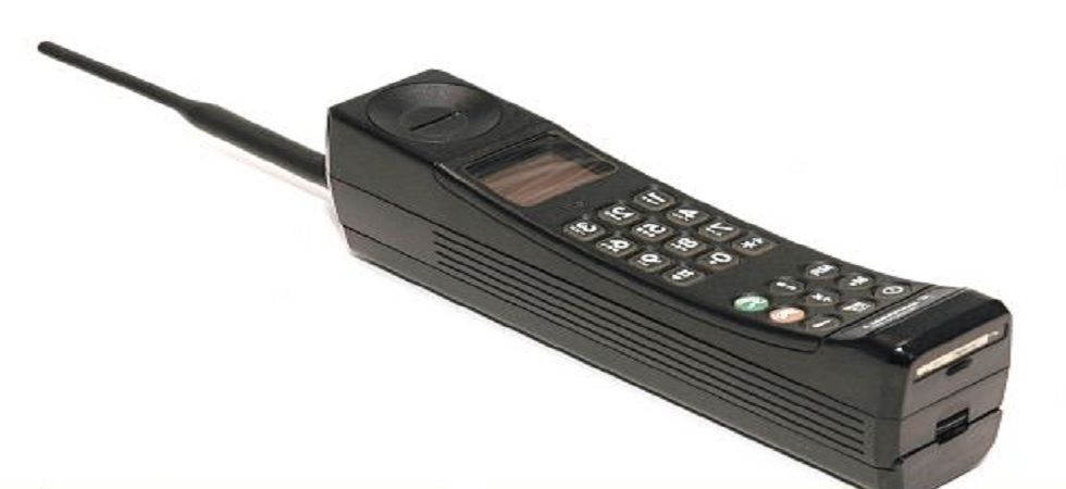 1st mobile phone call was made on this day in 1973, know who made it - News Nation