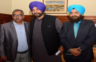 Upset over Moga snub, Navojt Singh Sidhu skips work for 20 days