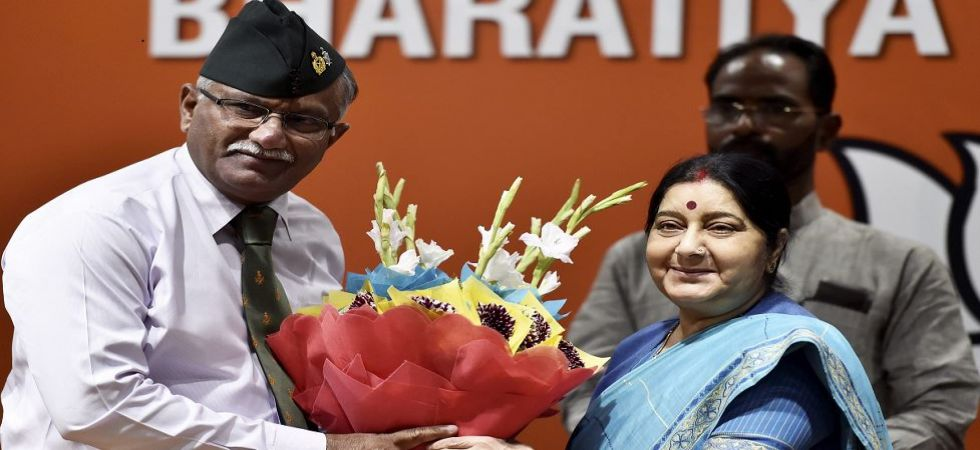 Former Army Vice Chief Sarath Chand joins BJP (Photo Source: PTI)