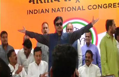 Shatrughan Sinha quits BJP on foundation day, joins Congress, likely to contest from Bihar's Patna Sahib