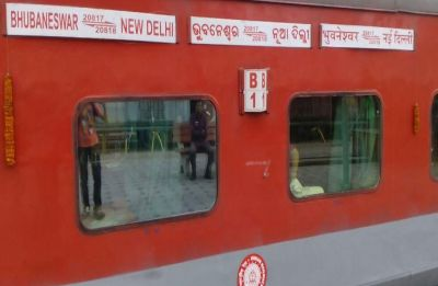20 passengers on board Delhi-Bhubaneswar Rajdhani fall ill after having rail food