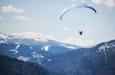 Kerala tourist, pilot killed in paragliding crash in Himachal Pradesh's Kullu district