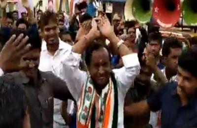 Karnataka Minister MTB Nagaraj performs 'Nagin dance' for voters, video goes viral