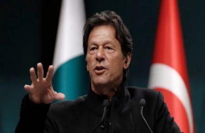 Imran Khan approves filing cases against Nawaz Sharif's family in money-laundering case