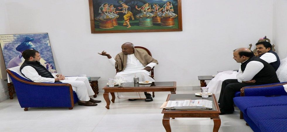 This is the second joint rally that Gandhi and Gowda will hold, following the Parivartan rally that both parties organised on March 31. (File photo)