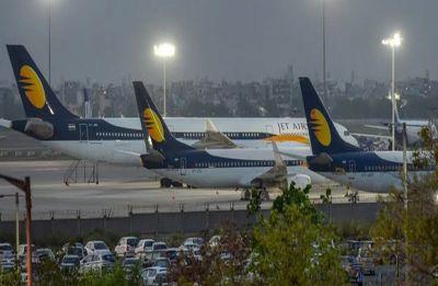 Jet Airways' fate hangs in balance as lenders defer emergency funding, board to meet today