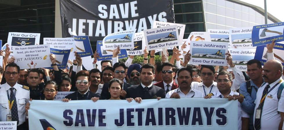Jet Airways sends final SOS for Rs 400-crore emergency funding, may ground all flights