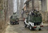 Vehicle carrying Army intelligence personnel attacked by terrorists in Kashmir's Kulgam, 2 soldiers injured