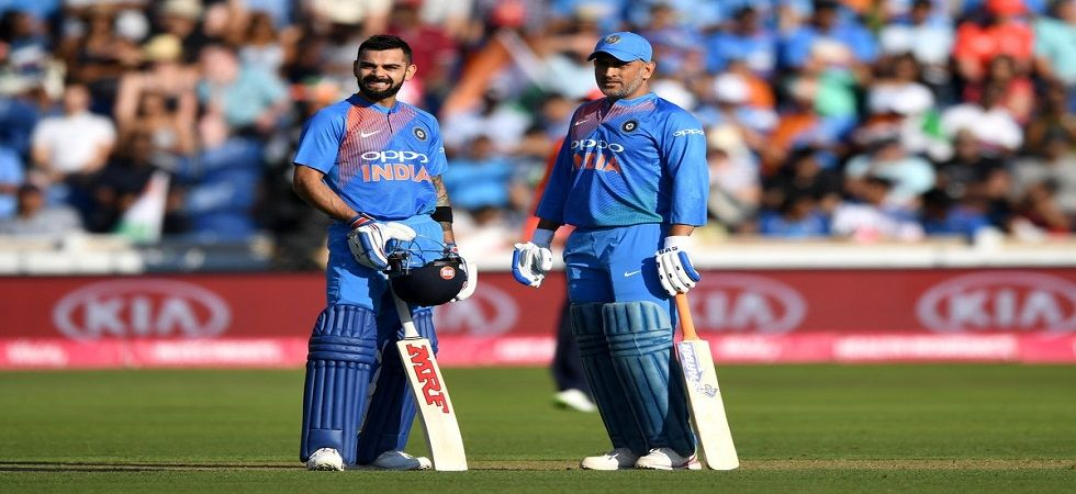 Virat Kohli has heaped praise on MS Dhoni's tactical acumen, stating that India is blessed to have his services. (Image credit: Twitter)