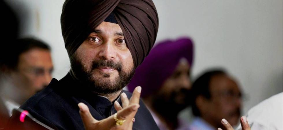 EC issues show-cause notice to Navjot Singh Sidhu for asking Muslims to vote en bloc to defeat PM Modi