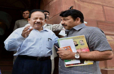 BJP fields Manoj Tiwari from North East Delhi, Harsh Vardhan from Chandni Chowk