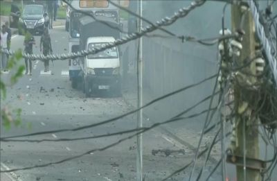 Fresh blast near Colombo church as bomb squad tries to defuse explosive