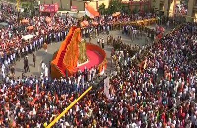 Lok Sabha Elections 2019 Live | PM Modi's roadshow in Varanasi to begin shortly