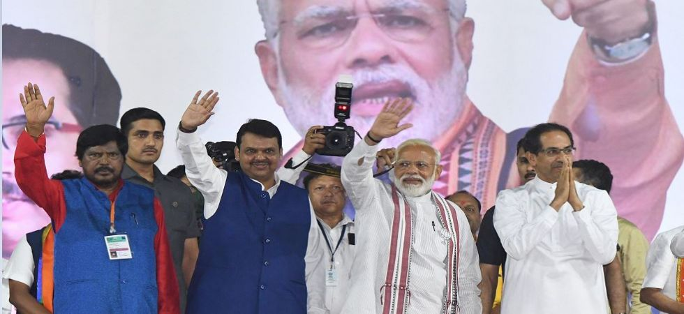 PM Modi greets his supporters at his BKC rally in Mumbai (Photo Source: PTI)