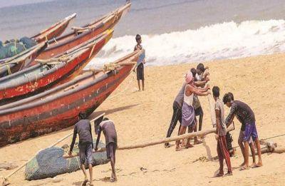 Cyclone Fani to make morning landfall today: 11 lakh evacuated in Odisha, flights and trains cancelled