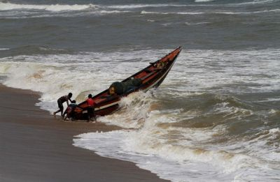 Cyclone Fani to hit Odisha tomorrow, Bhubaneswar Airport closes at midnight