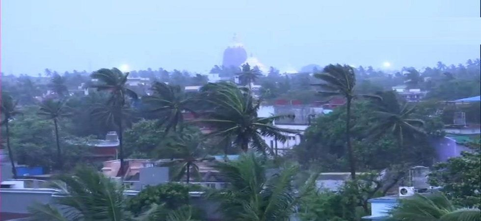 Cyclone Fani LIVE | Coast Guard deploys 4 ships as storm expected to make landfall in Puri today