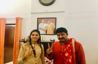 In defence of 'good friend' Manoj Tiwari, Sapna Chaudhary's karma jibe at Kejriwal