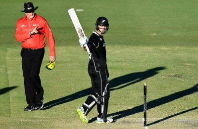 Steve Smith 89 in vain as New Zealand beat Australia in second warm-up game