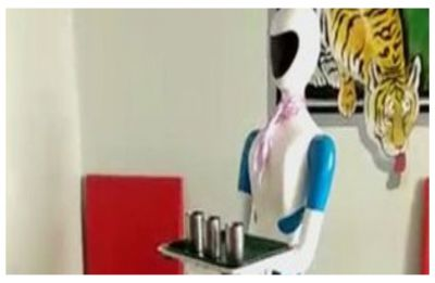 WATCH | Humanoid robot serves food at this Shivamogga restaurant in Karnataka