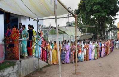 Amid violence, West Bengal records over 80 per cent polling in 8 Lok Sabha seats