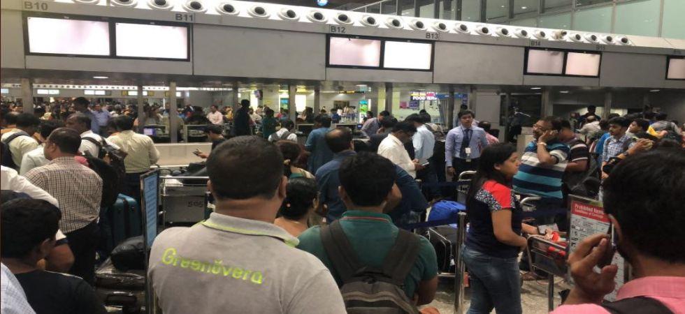 Chaos at Kolkata airport (Photo Source: Twitter)