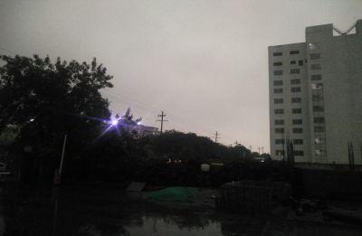 Delhi-NCR braces for dust storm, light rain likely