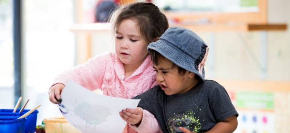 Toddlers learn new words more easily from other kids (Photo Credit: Twitter)