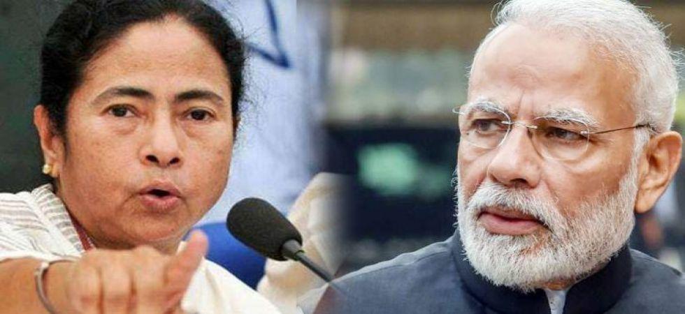 West Bengal CM Mamata Banerjee (Left), Prime Minister Narendra Modi (Right)