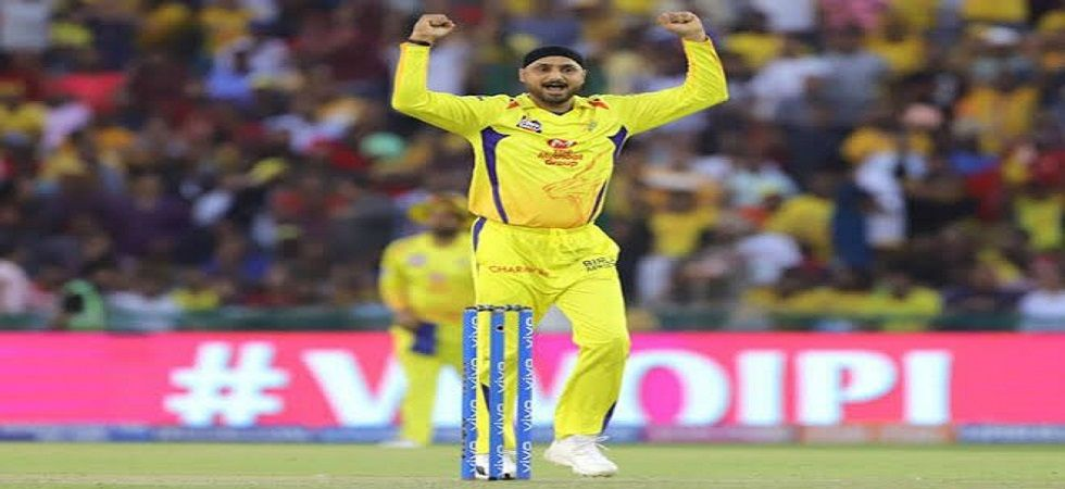 Team management should give Dhoni freedom to attack from start: Harbhajan (Image Credit: Twitter)
