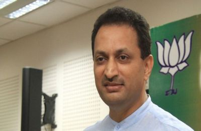 'Account hacked,' claims Union Minister Anantkumar Hegde after controversial tweets on Godse, Rahul