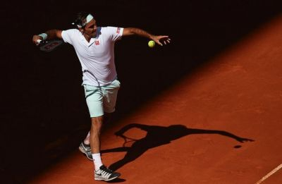 Roger Federer pulls out of Rome Masters with right leg injury
