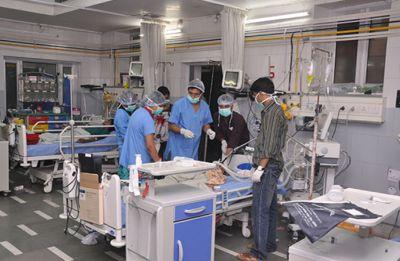 Delhi's Hindu Rao Hospital stares at 'total shutdown' as doctors intensify protests