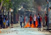 Poll violence in Bengal continues, BJP leader Arjun Singh's convoy attacked