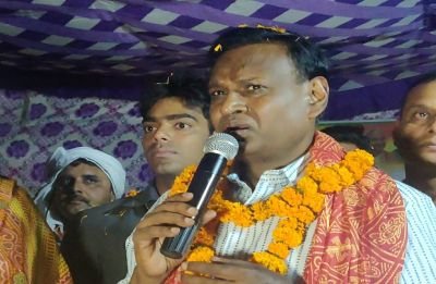 Congress leader Udit Raj takes 'andh bhakt' jibe at BJP, sparks row