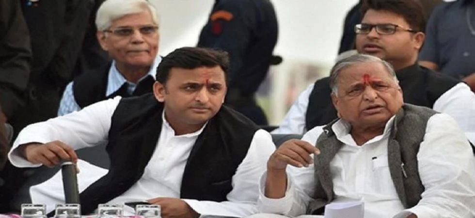 CBI gives clean chit to Mulayam Singh, Akhilesh Yadav in disproportionate assets case