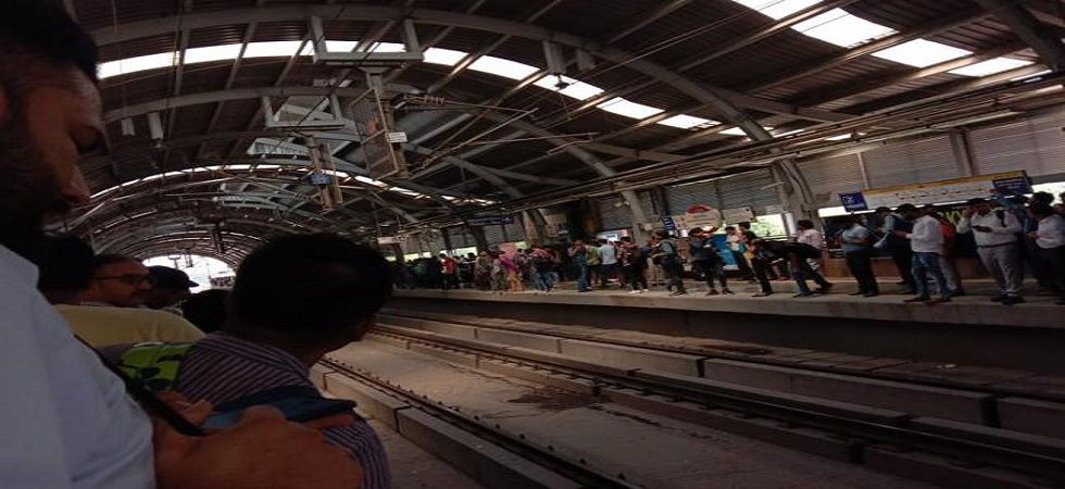 The snag left commuters hassled as trains were temporarily run in two loops -- between Huda City Centre and Sultanpur and between Samaypur Badli and Qutub Minar.