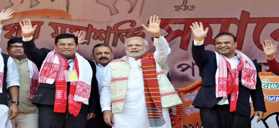 Assam Chief Minister Sarbananda Sonowal with Prime Minister Narendra Modi (File Photo)