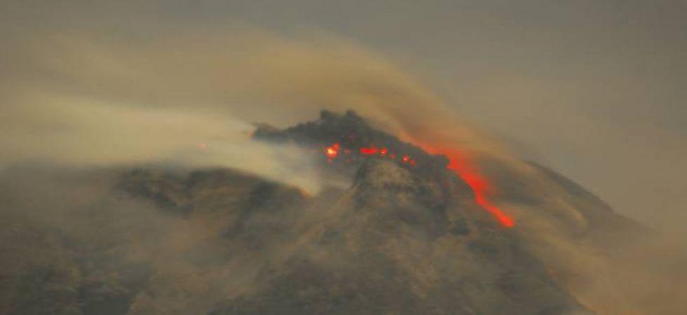 Volcano Erupts In Indonesia S Bali Lava Spread Over 3 Kilometres
