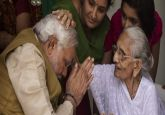After stellar poll victory, Narendra Modi heads home to meet mother Heeraben