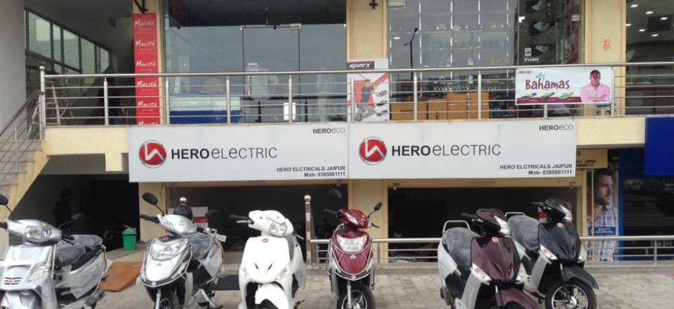 Hero Electric dealer (Photo Credit: Twitter)