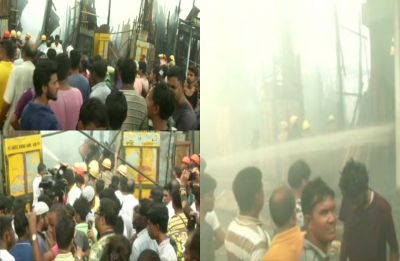 Massive fire breaks out in Kolkata's Park Circus area, 12 fire tenders present on spot