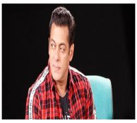 Salman Khan SLAPS security man for being rough to a kid | WATCH