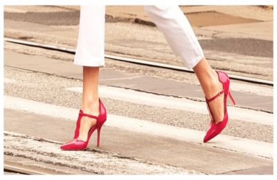 """What is #KuToo Campaign? Japanese minister says wearing high heels at work are """"necessary and appropriate"""""""