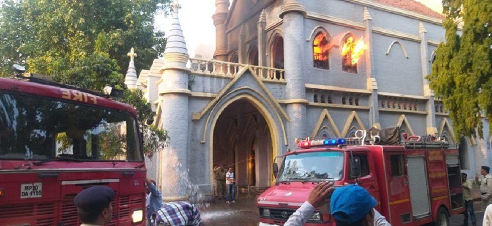 Fire at Jabalpur High Court in Madhya Pradesh (Photo Source: Twitter)