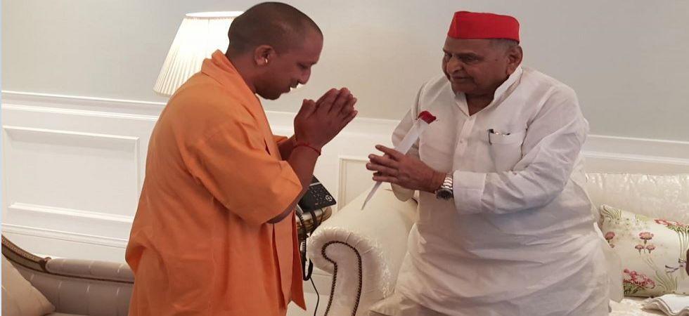 Yogi Adityanath meets SP patriarch Mulayam Singh Yadav (Photo Source: News Nation)