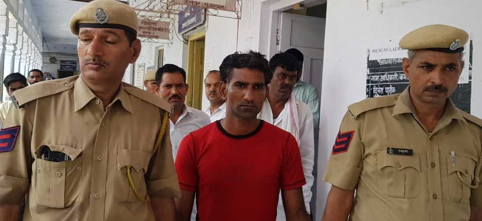 Convict being taken to court by police. (Photo: NewsNation/Lalsingh)