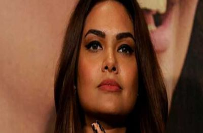 Angry Esha Gupta slams UIDAI after server goes down, terms service 'ridiculous'