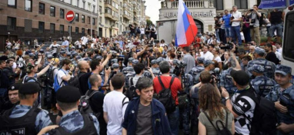 Moscow police abuse march (Photo Credit: Twitter)